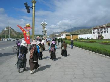 pilgrams in Tibet. Bacipacks and Bra Straps