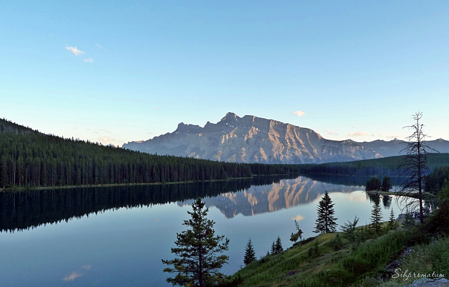 Two Jack Lake and Mount Rundle