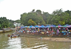 Market day in Kampong Ayer