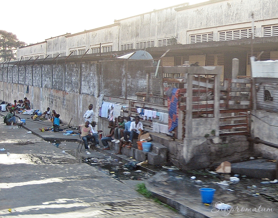 Urban life in DRC.