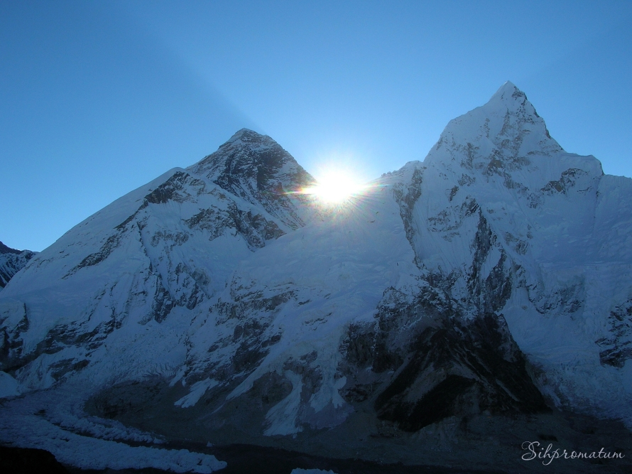 3-sunrise-over-mt-everest