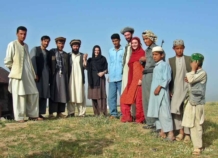 local-host-family-in-afghanistan