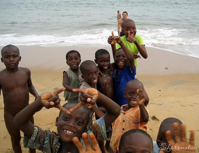 smiling-kids-in-neighbouring-country-sierra-leone-join-us-for-a-swim-