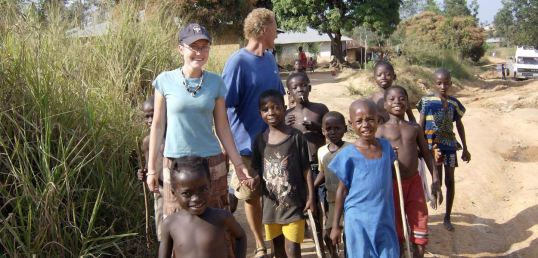 9-a-wonderful-bonding-moment-spent-with-village-children-in-neighbouring-country-guinea
